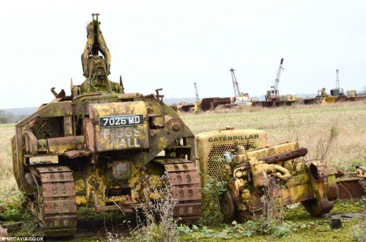 Фото: Где умирают старые военные машины (Фото)