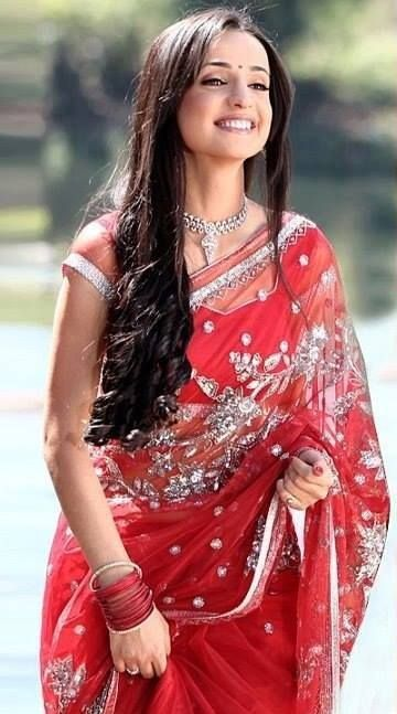 Sanaya irani in beautiful red sari