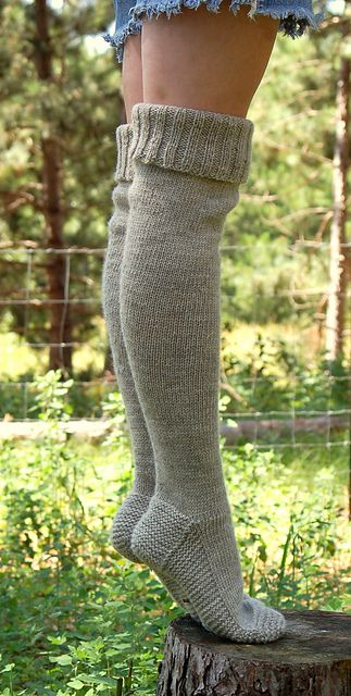 Ravelry: pencilinthepines' warm and woolly waders