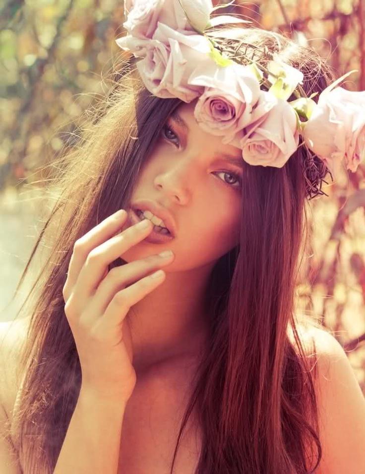 PastelRose, Summer Fashion Trends, Flower Headbands, Flower Crowns, Beautiful, Boho, Flower Children, Brown Hair, Wreaths