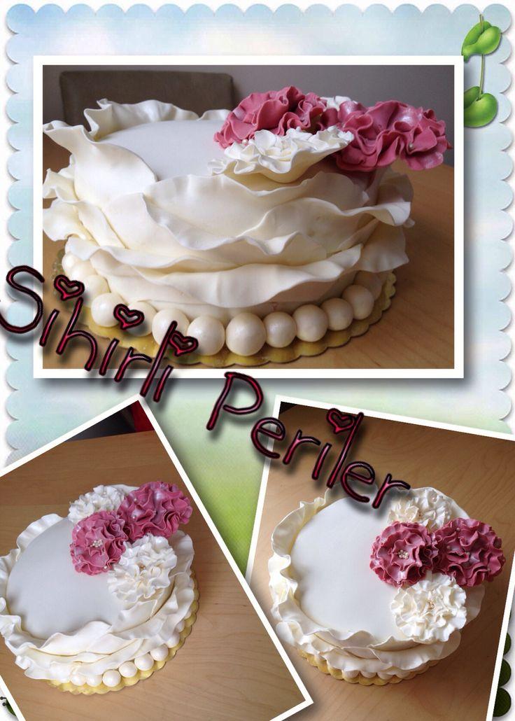 Doğum günü pastası İncil'i Çiçekli doğumgünü pastası