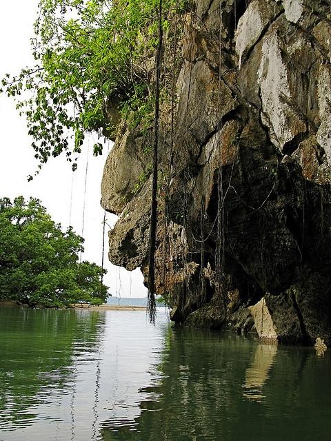 Puerto Rico, entrance to underground river