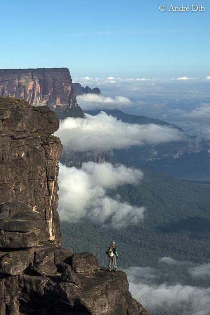 Panorámica Aérea de los #Tepuy en Monte #Roraima #MacizoGuayanés del #EscudoGuayanés al Sur de #Venezuela a 2810 m de altitud sobre el nivel del mar | Flickr - Photo Sharing!