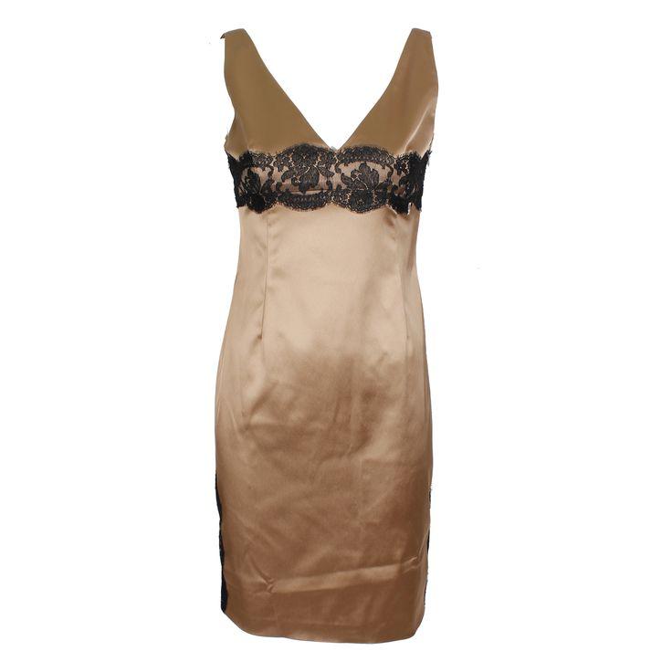 #galliano #johngalliano #marinamall #greenbird #couture #abudhabi #abudhabistyle #abudhabifashion #abudhabistyle #dubai #dubaifashion #dubaistyle #womenswear #fall2013 #winter2014 #fw2014 #prefall #dress #shortdress #eveningwear #womenswear #sleeveless #vneck #lowcut #lace #cocktaildress #eveningdress