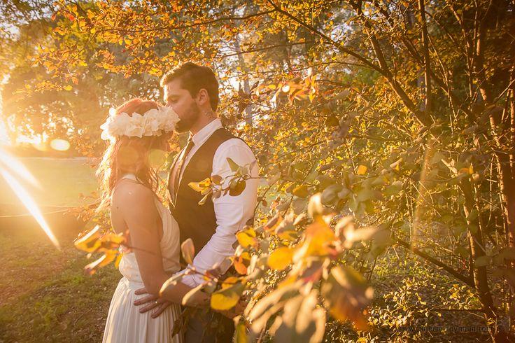Shooting inspiration un mariage en automne, Robe de mariée et accessoires cheveux Les Frangines.    Credit photo:@valerieraynaud @elodieroumejon @histoiredange   http://les-frangines.fr/