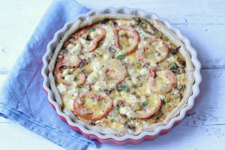 Heb jij nog wat restjes groenten/kip/aardappels in de koelkast liggen? Maak dan een lekkere hartige taart!