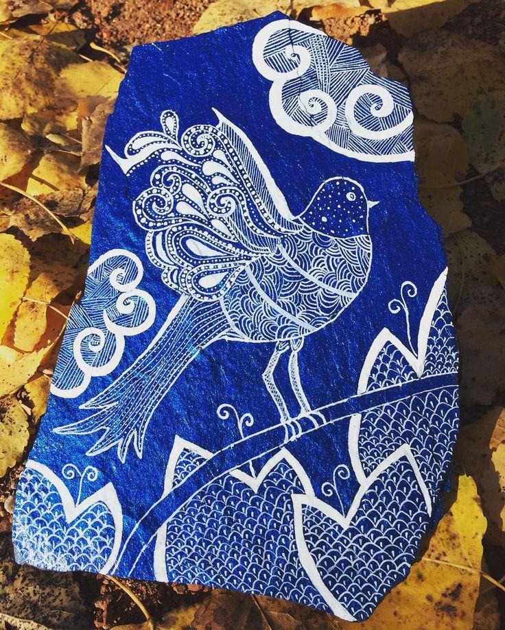 "12 Likes, 1 Comments - Sandra Suazo (@stonesbysandra) on Instagram: ""#artwork #rockpainting #paintedstones #stonepainting #blue #flatrock #doodle #loveit"""