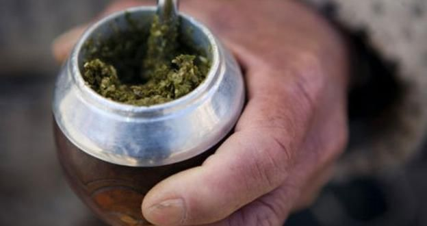 Mate is served in a round, uncovered gourd that is often burnished with metal detailing.(Viviane Ponti/LPI)