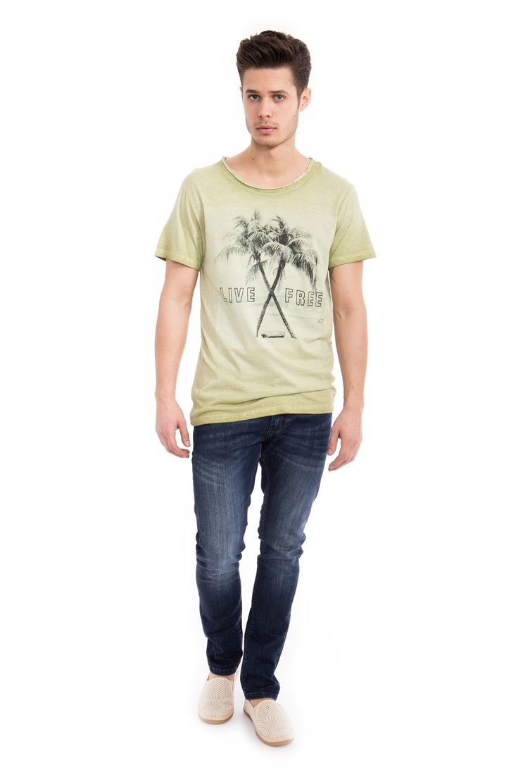 Way of Glory T-Shirt, Photoprint Palme für 29,95€. Basic T-Shirt mit Fotoprint, Offene Kanten am Rundhals Ausschnitt, Regular Fit bei OTTO