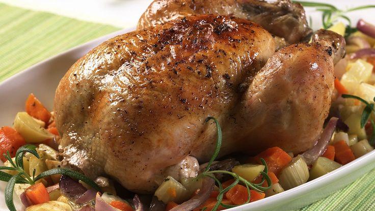 Helstekt kylling på grønnsakseng - Gjester - Oppskrifter - MatPrat