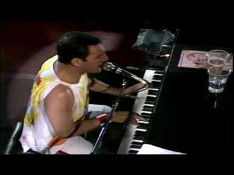 Queen - 'Bohemian Rhapsody' (Live)