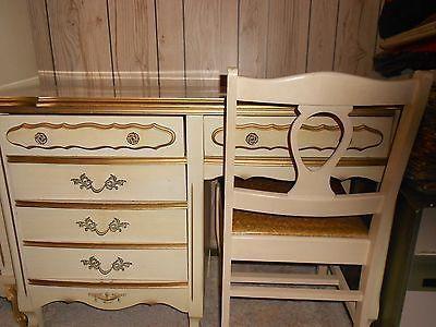... desks seared girls desks had girl bedrooms canopies beds provincial