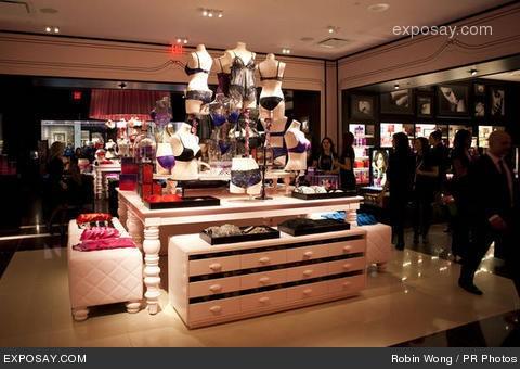 Store Interior - Victoria's Secret Store central area.
