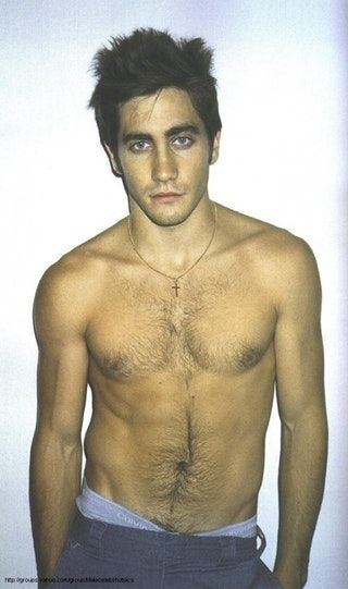 Jake Gyllenhaal's happy trail's got me goin! : LadyBoners