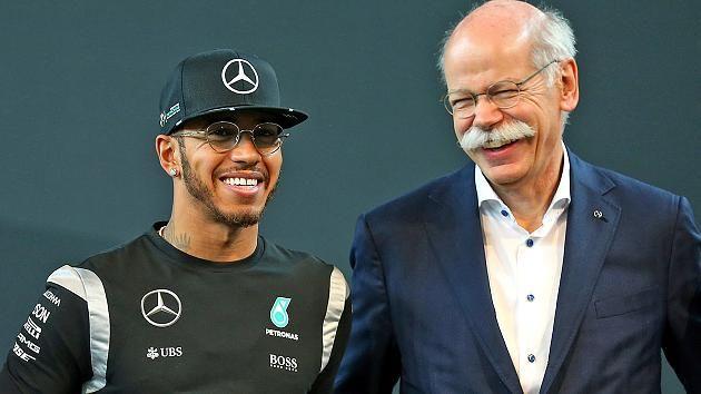Daimerl-Boss Zetsche (r.) und Mercedes-Star Hamilton verstehen sich gut