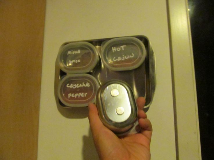 Pinned it, tried it - magnetic spice holder using dollar store containers, magnets and baking tray