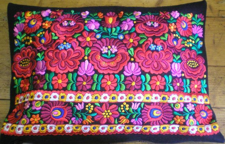 Handmade pillowcase from Matyoland.