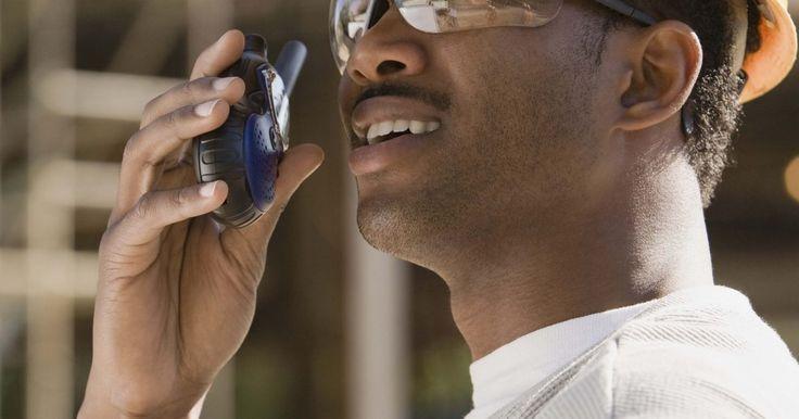 ¿Cuáles son los diferentes tipos de lentes de seguridad?. Los lentes de seguridad protegen los ojos al frente y los lados de una variedad de peligros como objetos voladores o salpicaduras químicas. El tipo de protección ocular necesaria depende del trabajo y del medio ambiente. Los estilos de lentes de seguridad disponibles se pueden dividir en algunos tipos principales. Cada tipo de lentes de seguridad ...
