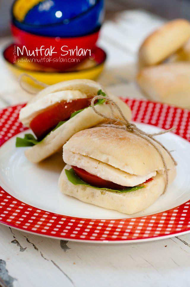 Panini – Sandviç Ekmeği Tarifi | Mutfak Sırları