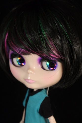 "Black Short Bob Wig w/ funky Highlights 12"" Blythe *Doll not included!*"