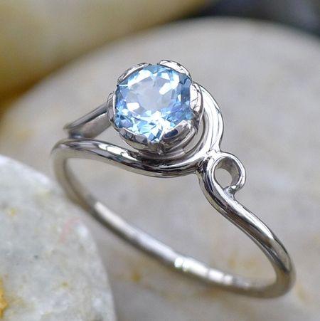 Natural Wedding Co: Lilia Nash Jewellery