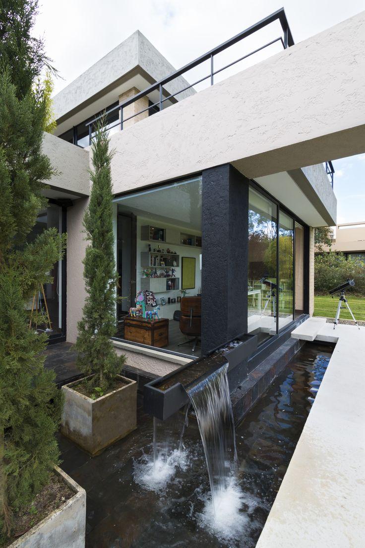 Espejo de agua | Espejo de agua, Casas modernas de lujo, Casas