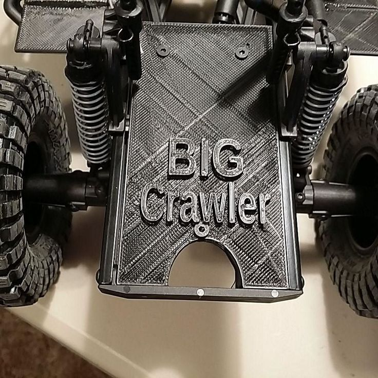 Newly Branded rear plate on our Client build Crawler. No cheap stickers for us. #homeinspector #homeinspection #realestate #RE #realtor #centralvalleyrealestate #cvar #3d #3dprinted #3dprinting #fpv #fpvracing #rccrawler #rc #crawlspace #drones #drone #axial #axialracing #BIGcrawler