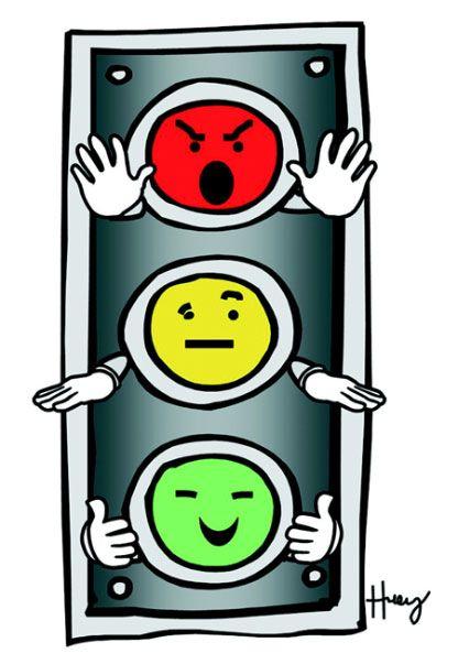 #educacion Una clase inversa en infantil: seguridad vial. Nuestra clase inversa comienza con el visionado del vídeo en casa. Para asegurarnos de que el niño ha visto el vídeo y además hacerles sentir que son mayores, les hacemos una ficha para que la completen una vez visto el video. El niño colorea cada semáforo del color que le sugiere la imagen que está a su lado. Deben presentar la prueba de que han hecho los deberes en casa.