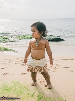 Hawaii's Baby Moana - Halloween Costume Contest via @costume_works