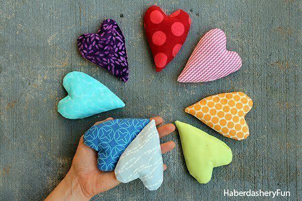 Diy.. Make Mini Heart Shaped Handwarmers #howto #tutorial, craft, sewing, naaien, naaimachine, hart handwarmer, Moederdag, cadeau idee, gift idea