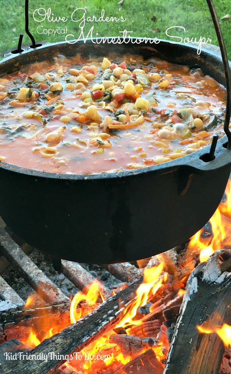 Olive Garden's Copycat Minestrone Soup Recipe - Wow! This really tastes just like the one from Olive Garden! Delicious! - KidFriendlyThingsToDo.com