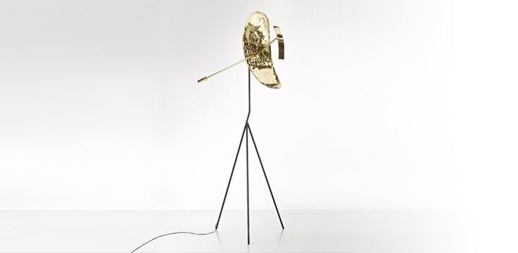 De Castelli - - Ribot  An object-sculpture composed by a brass handmade loudspeaker. This process makes the light, produced by a LED light source, vibrant, alive, similar to the reflections of a liquid surface in motion.