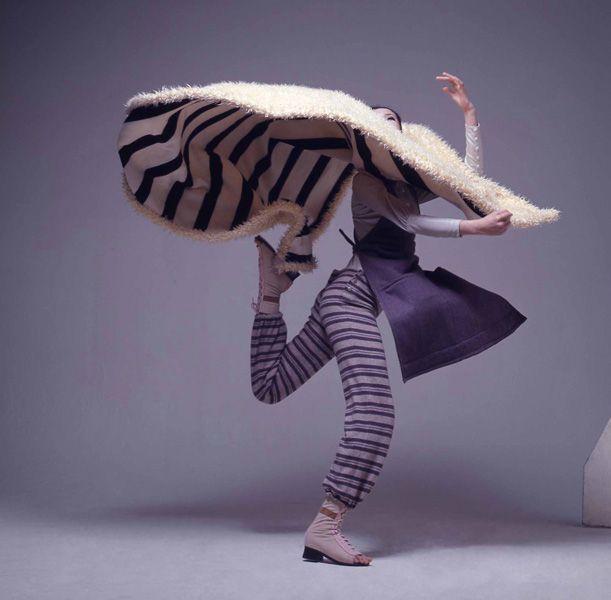 Issey Miyake, Constructible Clothes ph. Kishin Shinoyama, 1969
