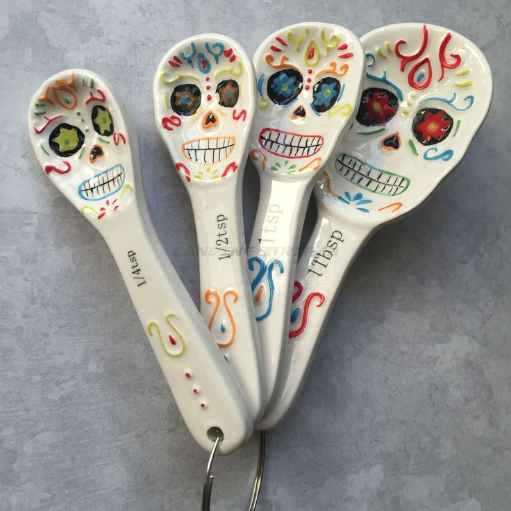 Day of the Dead Candy Skull Ceramic Measuring Spoons  4 Spoon Set Brand New