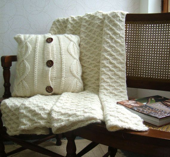 2 Piece Set Hand Knit Peruvian by DubrasenHome