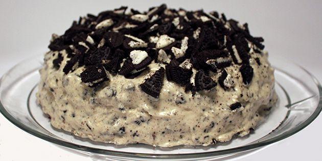 Lækker og nem opskrift på overdådig Oreo kage.
