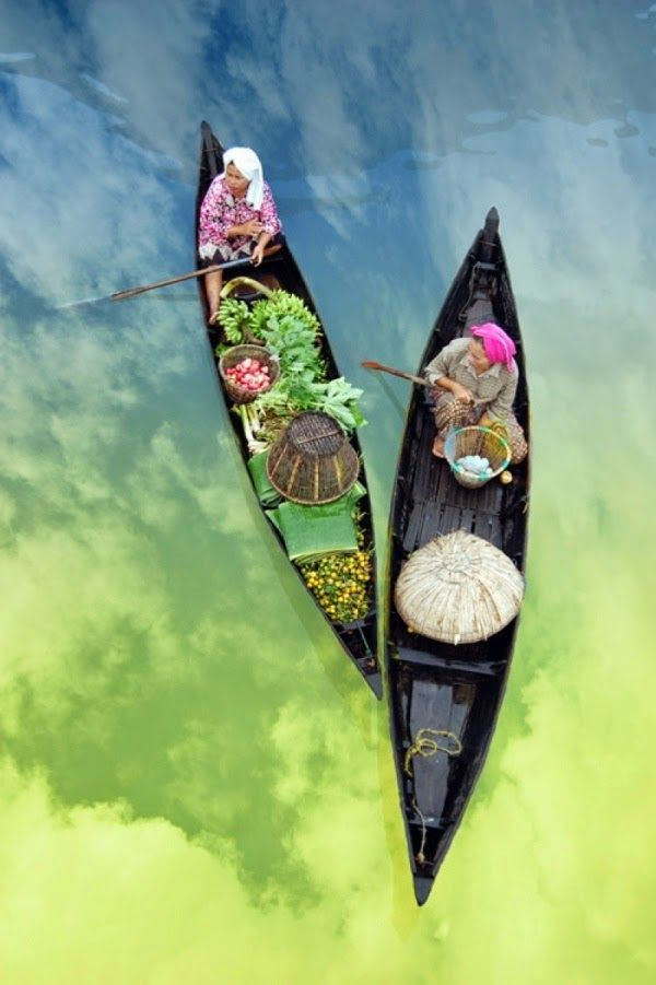 Beautiful Boats View, Vietnam - Mercados Flotantes
