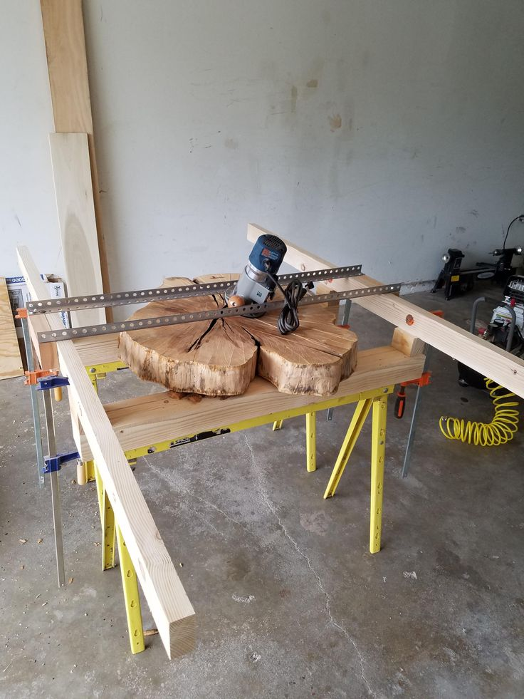 Prepping the router sled for planing, homemade sled idea from Nick Offerman, made for about $20