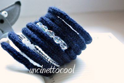 bracciale in lana colore blu navy