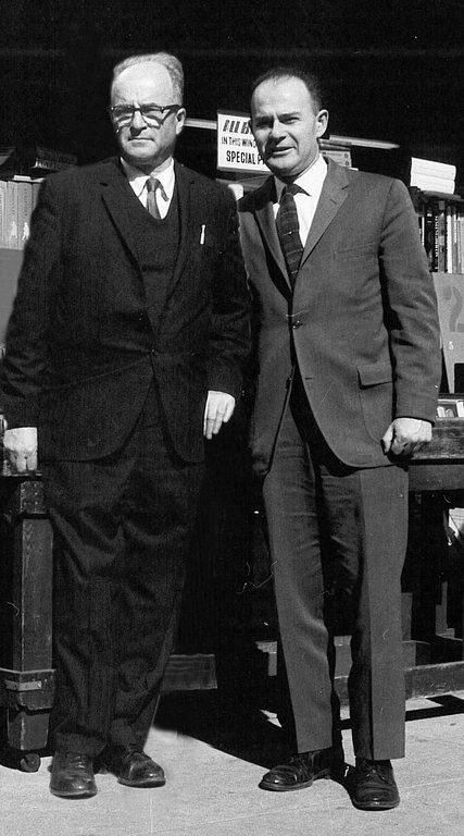 d   1/18    Benjamin Bass,founder of Strand Books & his son Fred Bass, Who Made the Strand Bookstore a Mecca, Dies at 89 - The New York Times
