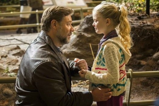 nice Amanda Seyfried struggles alongside together with her previous inside the 'Fathers and Daughters' trailer