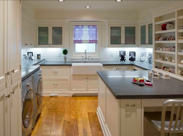 thought it was a kitchen!!!!!!!!!! Craft Room. Great craft room and landry room design. #LaundryRoom #CraftRoom