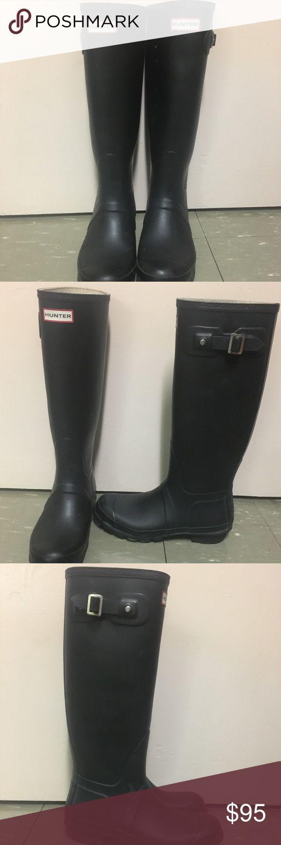 Tall Hunter Rain boots Tall black hunter rain boots have been worn but still in good shape Hunter Boots Shoes Winter & Rain Boots