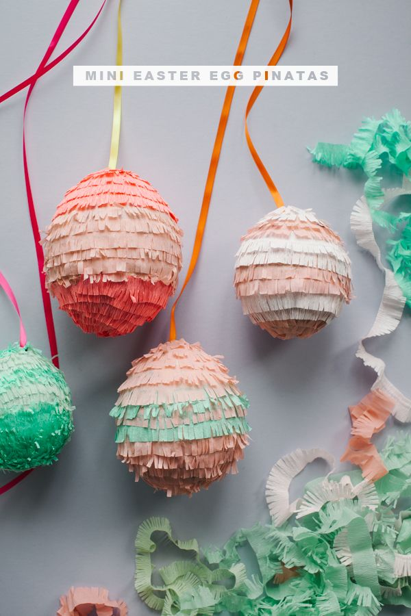 Mini Easter Egg Pinatas DIY | Oh Happy Day! ~T~ so cute and easy to make. Balloons,(5inch mini) newspaper, flour, water,bowl,ribbon,crepe paper,scissors and quick dry tacky glue.