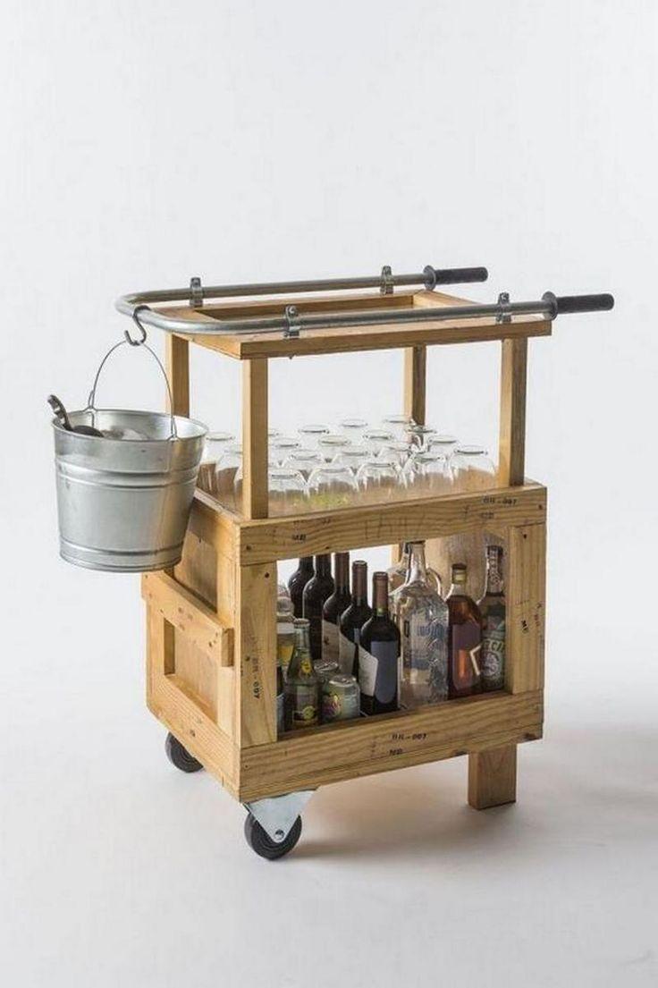 Una buena idea para hacer tú mismo un carrito mueble bar con cajas de madera recicladas. #HTM