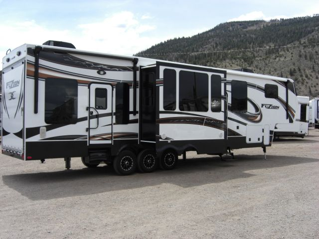 Keystone fuzion toy hauler rv pinterest toys and toy for Fifth wheel with bonus room