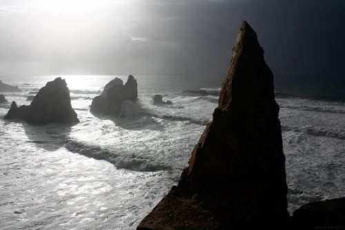 Stormcaller - the Throne of Maraferama, remains of a former double arch, in the Ursa beach, that still existed in the twenties of 20th century.