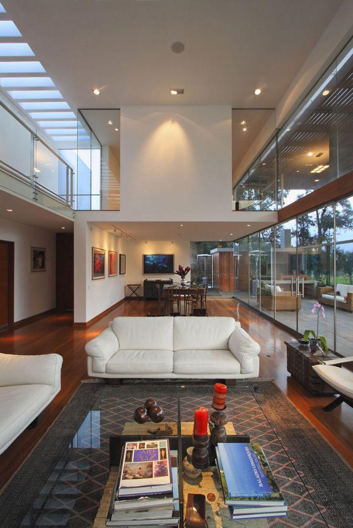 Cachalotes House by Oscar Gonzalez Moix Doble altura...ventanal...excelente