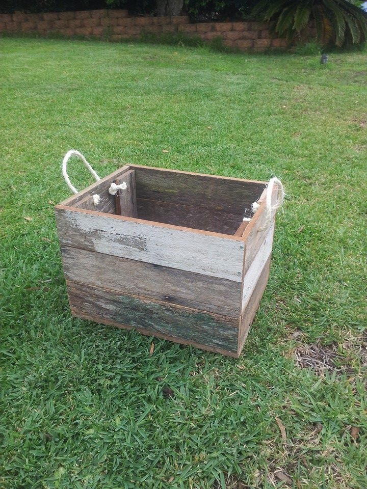 Fence Paling carry box with rope handles.