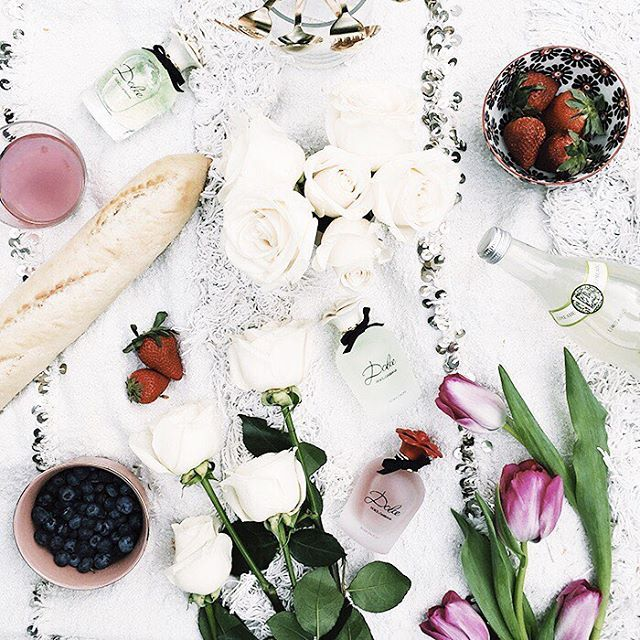 Go on a perfectly lovely, ladylike picnic with The Song Sisters + see why #dgdolcerosa is their go to Spring Scent!  #inpartnershipwithDGRosa | link  in bio | http://bit.ly/21r91k3